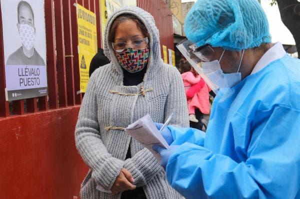 Plus de 950 000 décès dus au virus dans le monde et 30,6 millions de cas