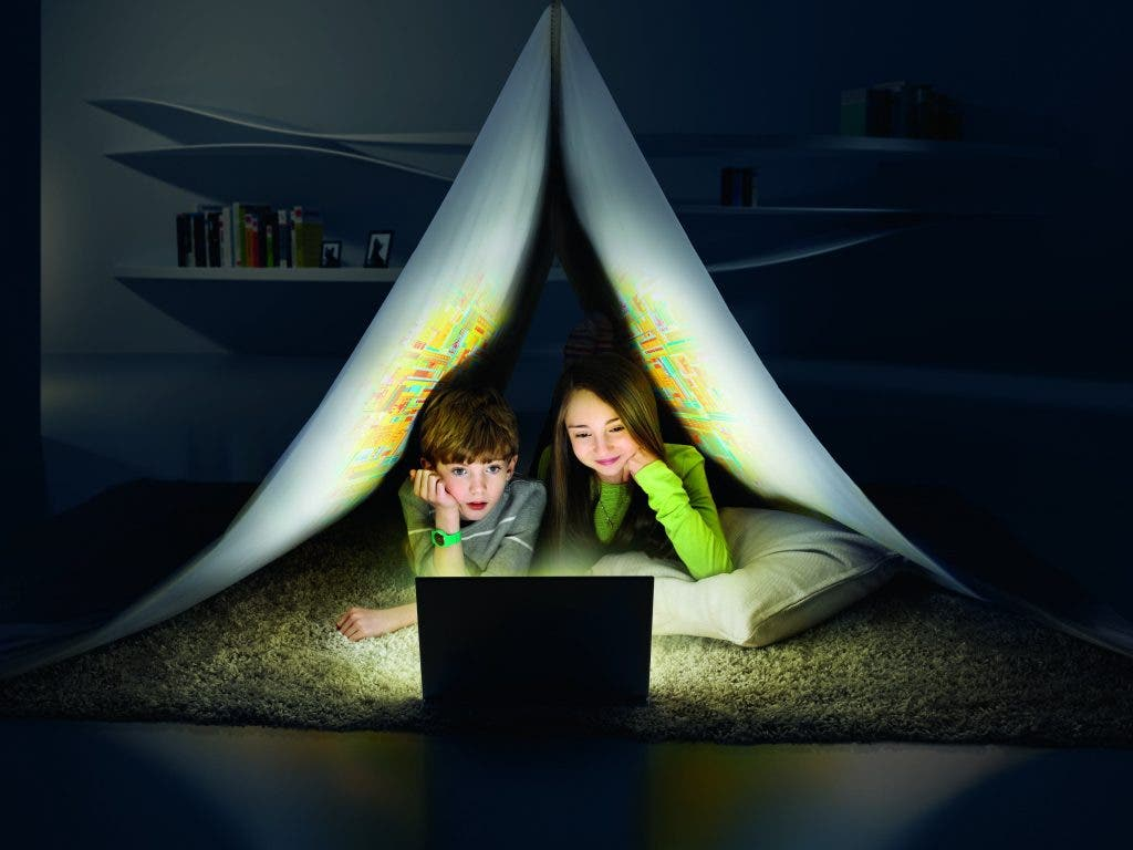 Tech vamping : les nuits tardives passées au téléphone portable nuisent à la santé du sommeil